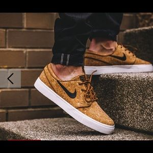 NWOT Nike cork Stephan Janoski shoes 7